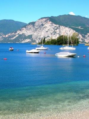 Comprare casa per cambiare vita immobiliare chiarini for Comprare casa al lago